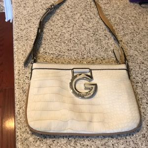Beautiful G By GUESS Crossbody purse never used